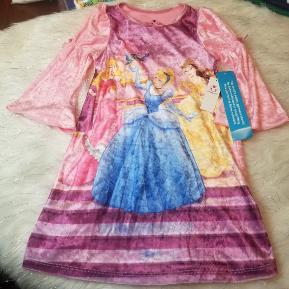 Disney princess XXS 2-3 Gown velevty gown pink